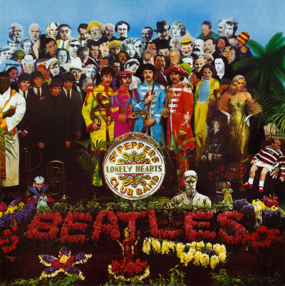 The Beatles - Sgt. Pepper's Lonely Hearts Club Band; levynkansi