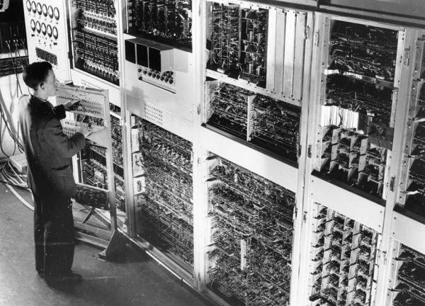 CSIRAC ja Geoff Hill vuonna 1952