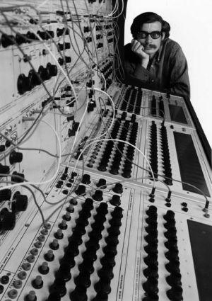 Don Buchla ja Buchla 100 series Modular Electronic Music System