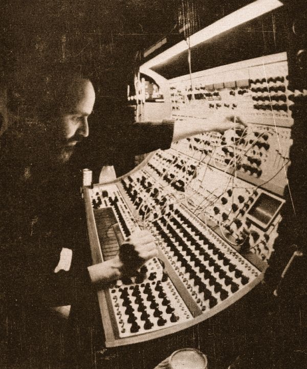 Morton Subotnick ja Buchla 200 series Electric Music Box