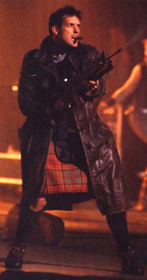 Bill Drummond hyvästelee musiikkibisneksen Brits-gaalassa 1992