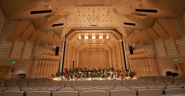 Tampere filharmonian koti, Tampere-talon iso sali