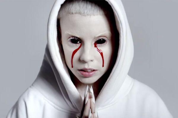 Die Antwoord - Ugly Boy (kuvankaappaus musiikkivideosta)