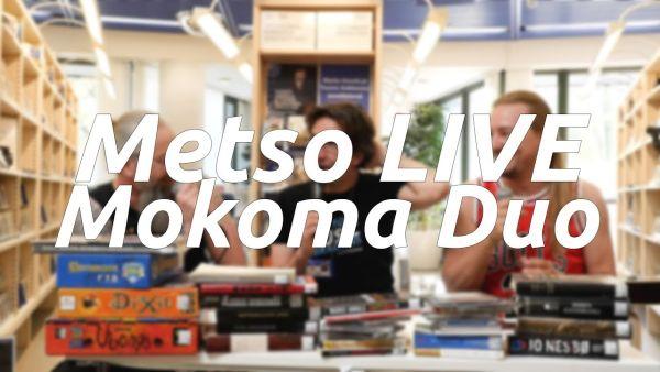 Kirjastosta lainattavien lautapelien, kirjojen, elokuvien ja levyjen takana piileskelevät Mokoman Marko Annala ja Tuomo Saikkonen sekä kirjastonhoitaja Juhani Koivisto