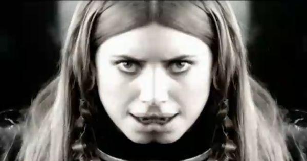 Lykke Li - Get Some (kuvankaappaus musiikkivideosta)