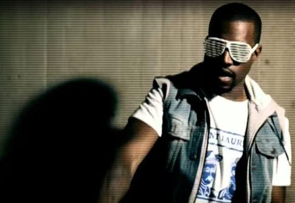 Kanye West - Stronger (kuvankaappaus musiikkivideosta)