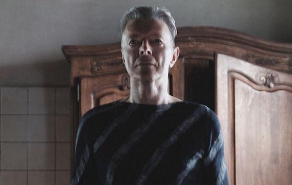 David Bowie - Lazarus (kuvankaappaus musiikkivideosta)