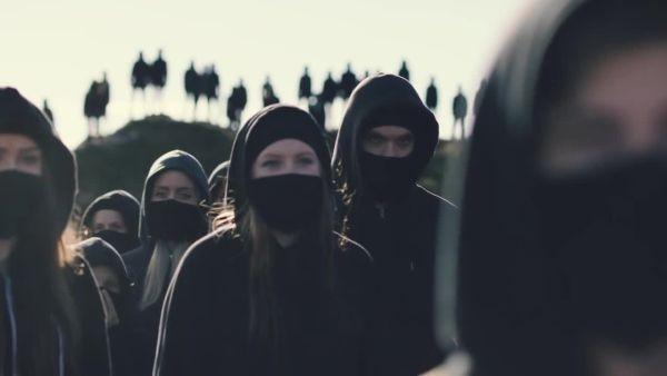 Alan Walker - Alone; kuvankaappaus musiikkivideosta